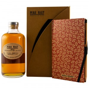 Nikka Pure Malt Black mit Journal